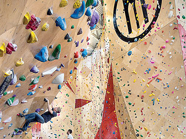 Climbing Walls at Brooklyn Boulders Chicago