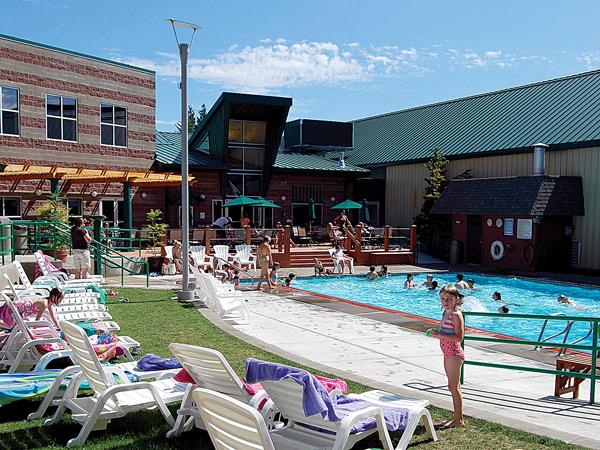 Outdoor Aquatics Complex at Sunset Athletic Club