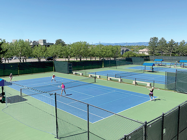 Outdoor Tennis at Club Greenwood